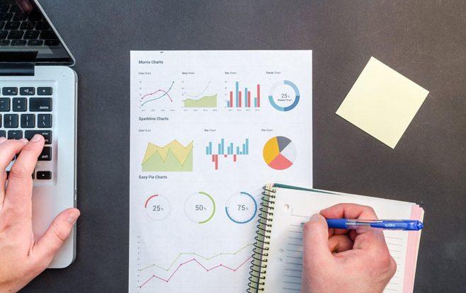Ribet Menghitung Payroll Karyawan? Manfaatkan Fitur-fitur Jasa Payroll Outsourcing LinovHR